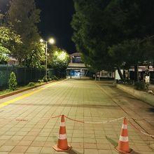 早朝のイェニカプ港入り口。