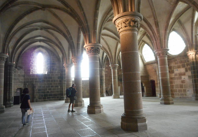 モンサンミッシェル修道院 騎士の間