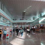 ショッピングセンターのような空港