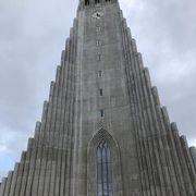 ランドマーク的な教会