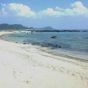磯遊びもできる綺麗なビーチ