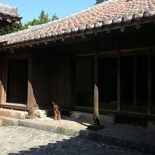 中城城近くにある古い住宅