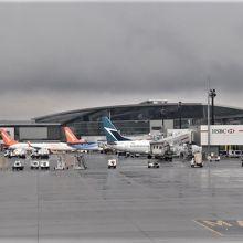 カルガリー国際空港 (YYC)