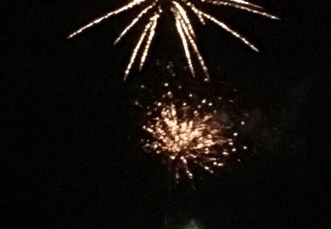 湖上の花火大会