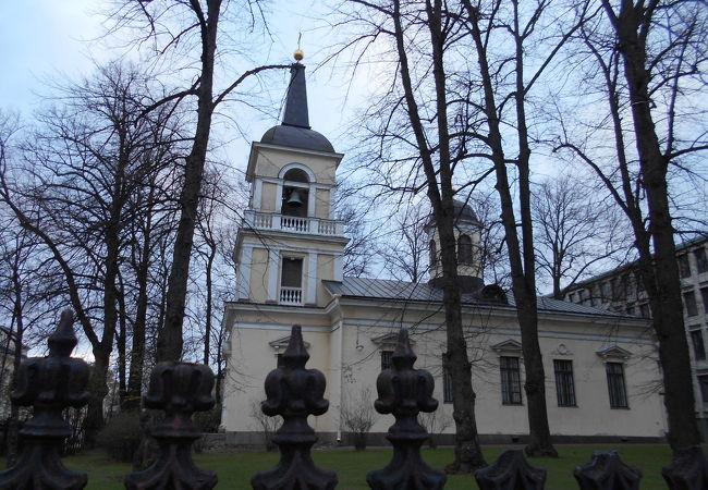 「ヘルシンキ大聖堂」の裏手にありました