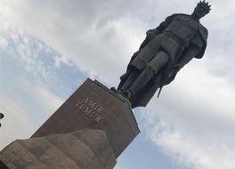 アムール ティムール像