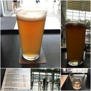 マーライオンを遠くに眺めながらのんびりクラフトビール