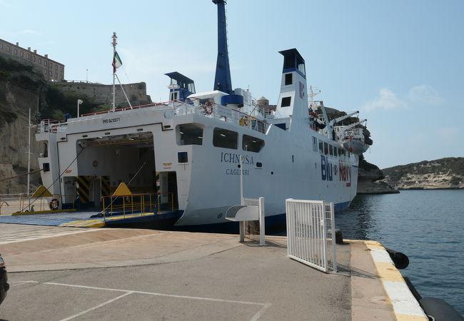 ボニファシオ港