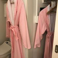 バスローブもピンク