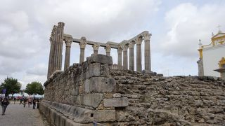 ローマ時代から残された神殿