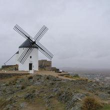 ラマンチャ地方の白い風車