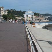 ビーチ沿いの散歩道、プロムナード デ ザングレ