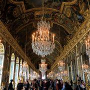 宮殿内は素晴らしいですが大行列でした