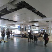 ポルト国際空港 (フランシスコ サ カルネイロ空港) (OPO)