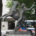 写真:牧童の像