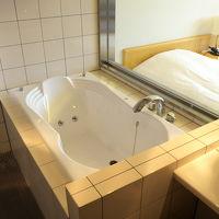 お湯があふれると洗面所の床(写真手前)まで濡れてしまう