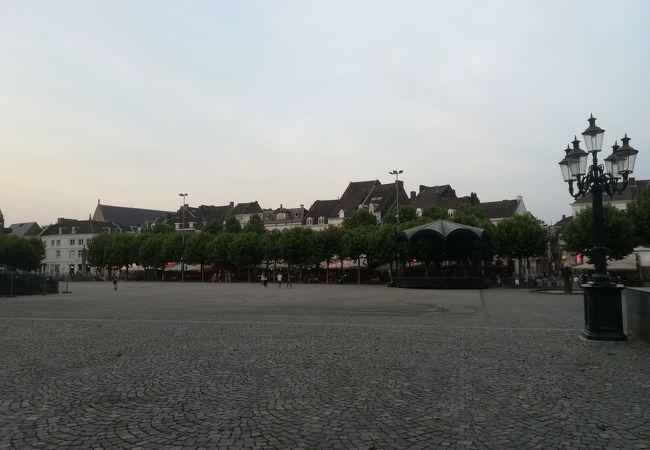 マーストリヒトの中心、フライトホフ広場