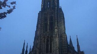 ウルム にあるとても高い聖堂
