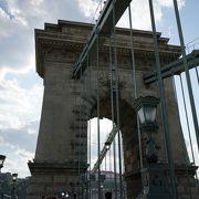 ドナウ川の美しい橋