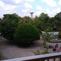 中庭にはプールもあり、利用することもできます。