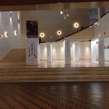 山梨県立美術館内部