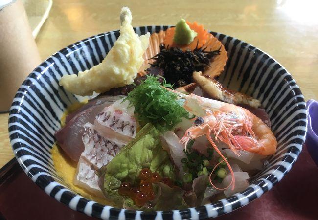 三角駅から徒歩数分!名物コノシロの焼き寿司に舌鼓