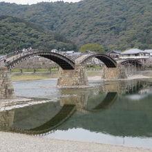 錦帯橋が映ってます