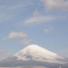 ホテルから見た富士山。