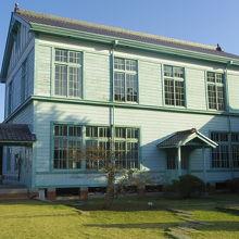 粟島海洋記念館(旧粟島海員学校)