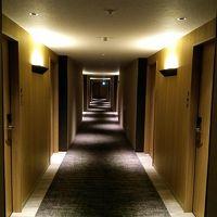 間接照明の廊下