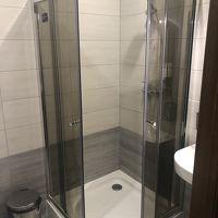 個室内のシャワー