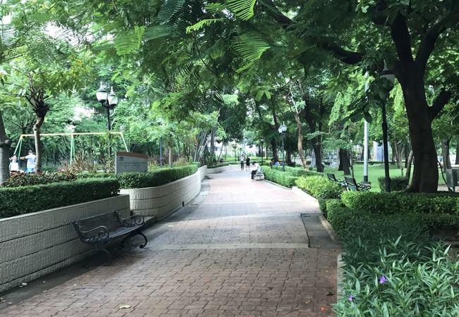都会のオアシス ベンチャシリ公園