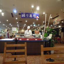 夕食バイキングの寿司コーナー