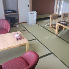 改装済みのキレイなお部屋でした。
