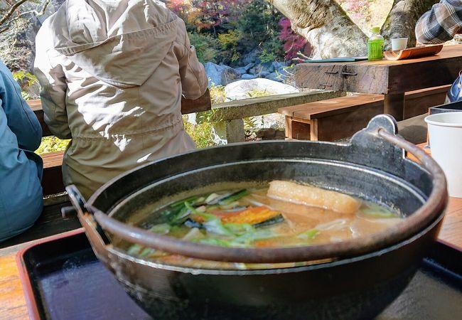 昇仙峡の絶景を見ながら美味しいほうとうを