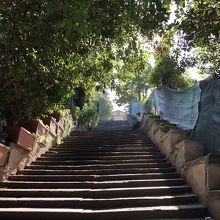 頂上目前の階段(結構長い)