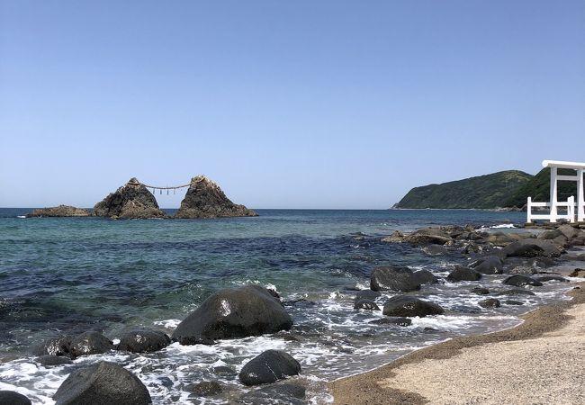 博多から1時間ほどでこの海の綺麗さ