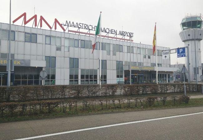 マーストリヒト空港 (MST)