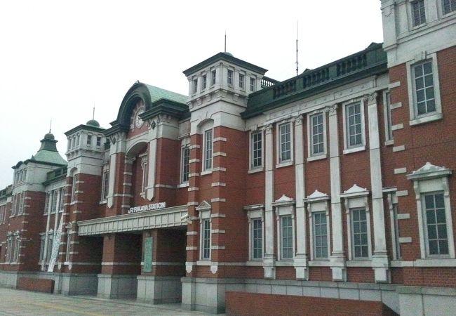 赤レンガの駅舎