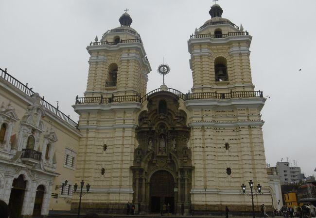立派な教会