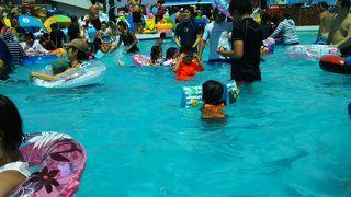 遊園地とプール