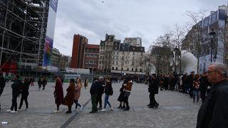 ジョルジュ ポンピドゥ広場