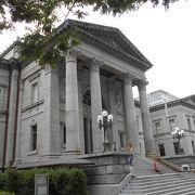 明治37年に建てられた歴史ある図書館