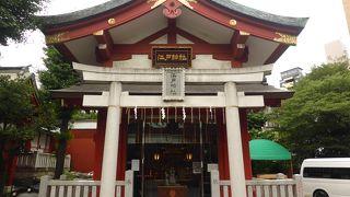 大神輿が鎮座する珍しい神社