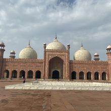 バドシャヒ モスク