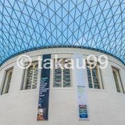 イギリスが世界中から略奪してきた古今東西の美術品や書籍などが展示されています。