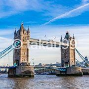 タワーブリッジはかなり写真映えする観光スポットです。