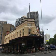 オーストラリアンホテル