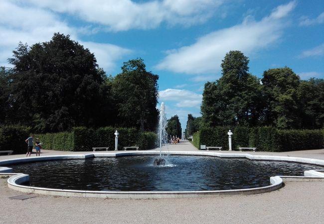 サンスーシ宮殿と公園群