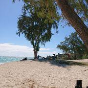 砂浜が綺麗なカイルアビーチです